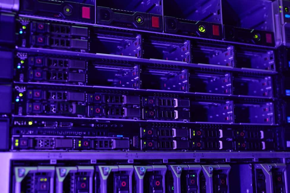Sala de servidores futurista